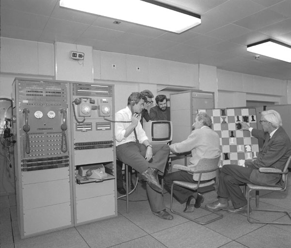 IBM 360/195 Playing Chess, November 1974